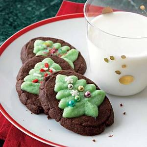 Chocolate-Mint Evergreen Christmas Tree Cookies