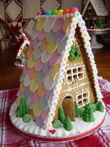 Gingerbread house with pretty roof