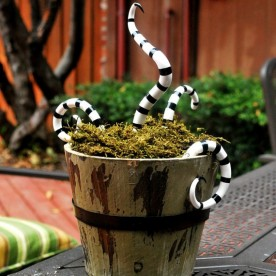 Halloween scary snake basket