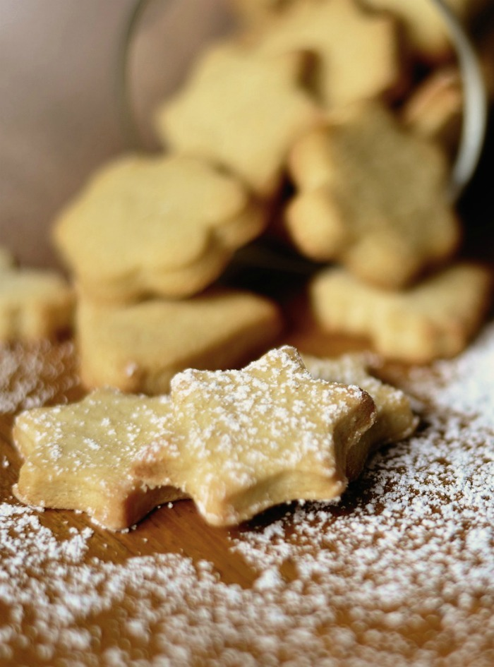 Scottish shortbread cookies are easy to make with a 1, 2, 3 recipe list