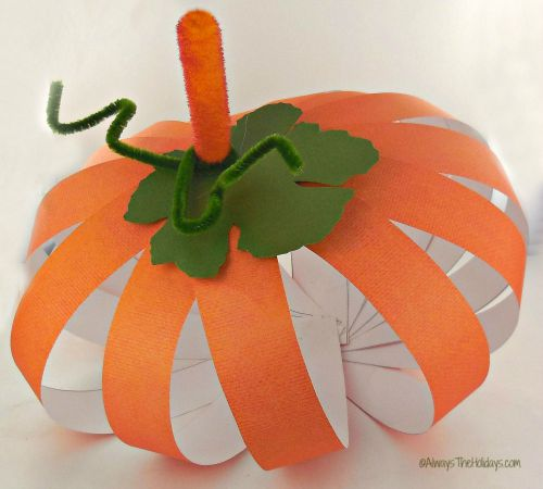 finished paper pumpkin