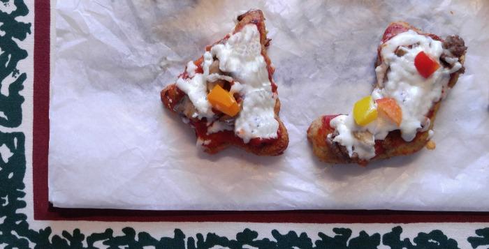 mini-christmas-pizzas-fb