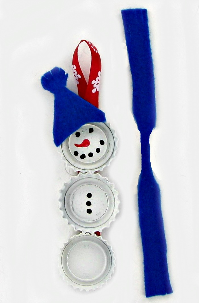 Making a scarf for the Bottle Cap Snowman Ornaments