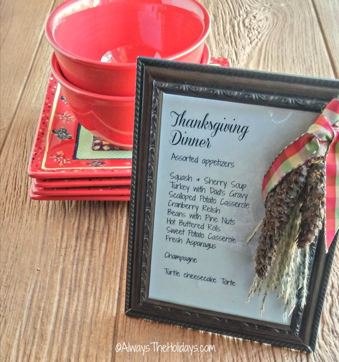 This DIY Thanksgiving dinner menu plaque tells your holiday guests what is on the menu for the celebration.