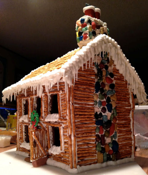 Piorneer Log Cabin Gingerbread house