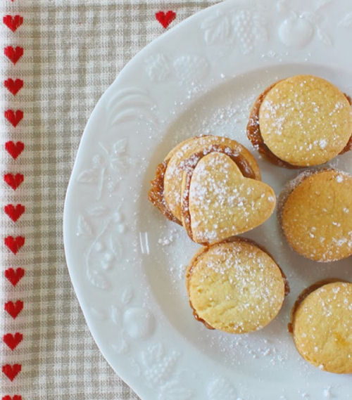 Sweetheart Cookies - Brazilian Sweet treat from mollymel.blogspot.com