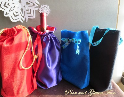 drawstring Christmas gift bags from oneccreativemommy.com