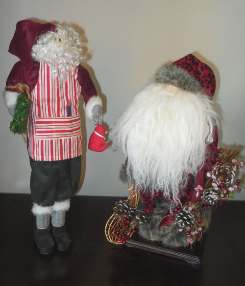 Traditional Santa Claus figures