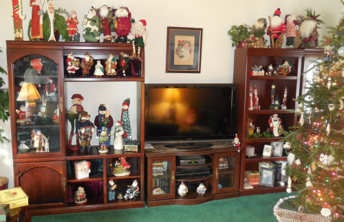 Wall Unit With Santa Claus Collection Part 78