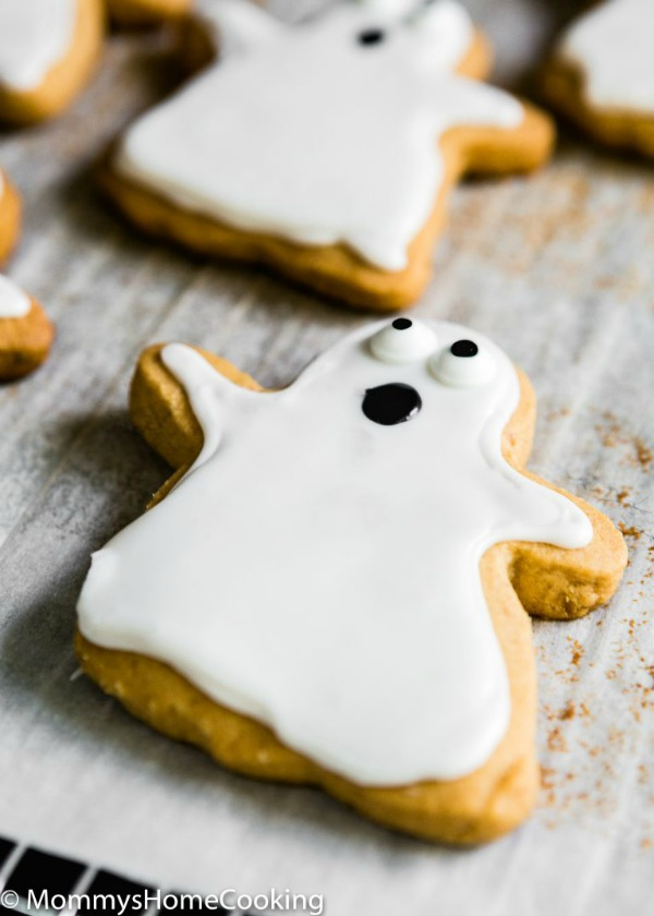 Eggless peanut butter ghost cookies