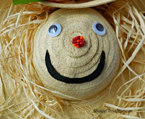 Decorate your scarecrow face