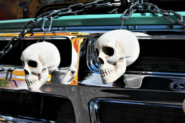 Skulls on a car for Halloween