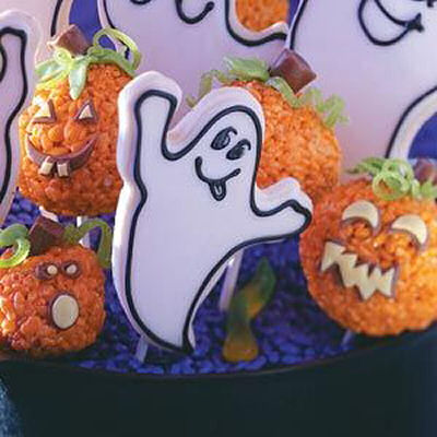Boo ghost cookies from tasteofhome.com