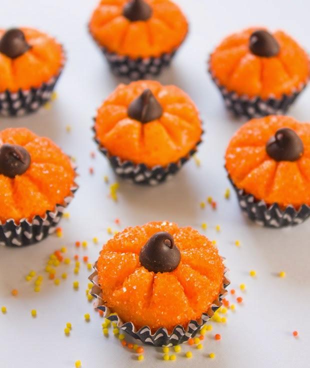 Pumpkin Shaped Chocolate Truffles from mollymel.blogspot.com