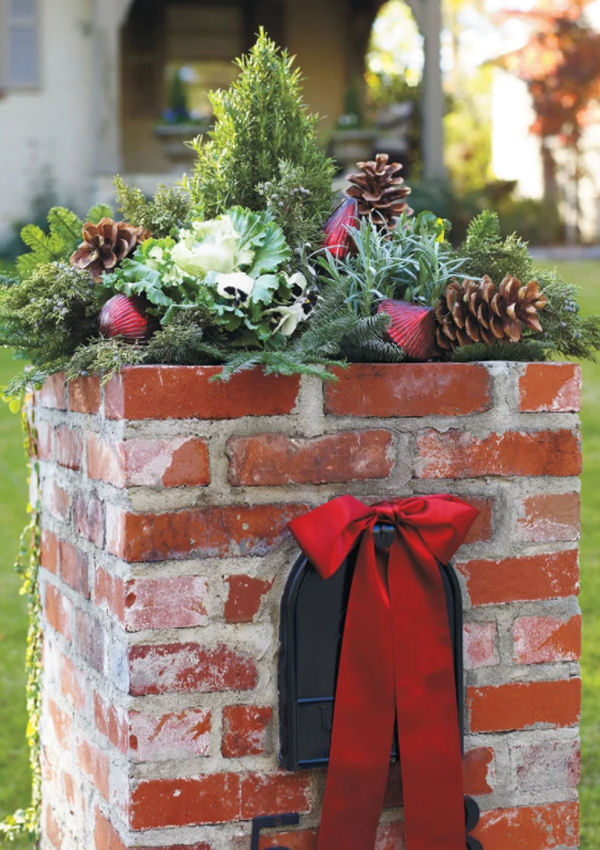 Brick mail box decorated for the holidays