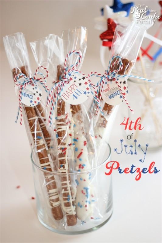 Patriotic pretzel rods from realcoake.com
