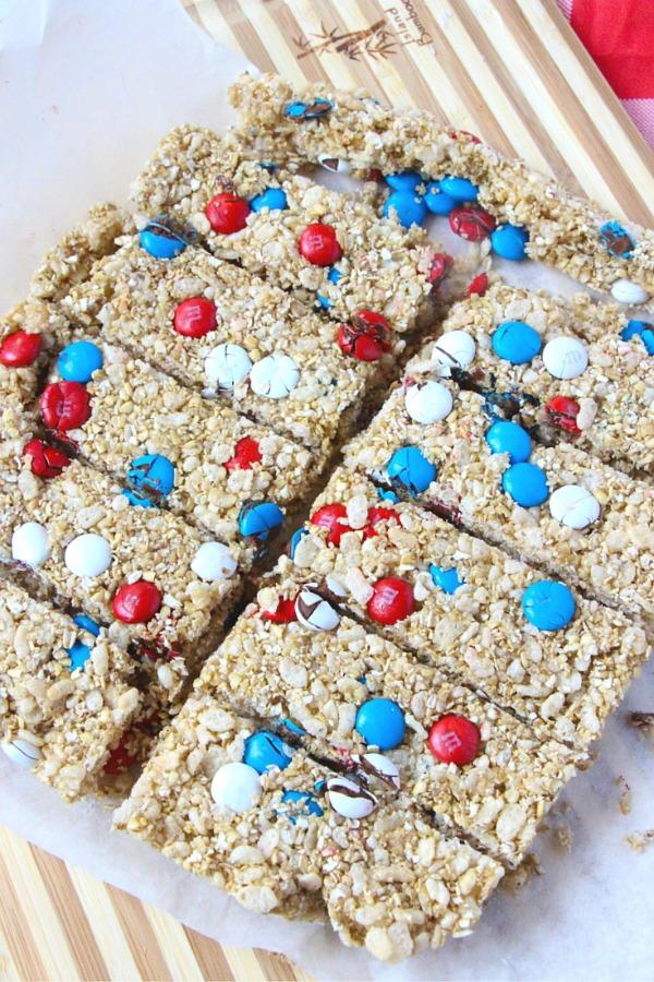 Patriotic granola bars from lifeovercs.com