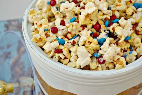Patriotic popcorn from thisgirlslifeblog.com