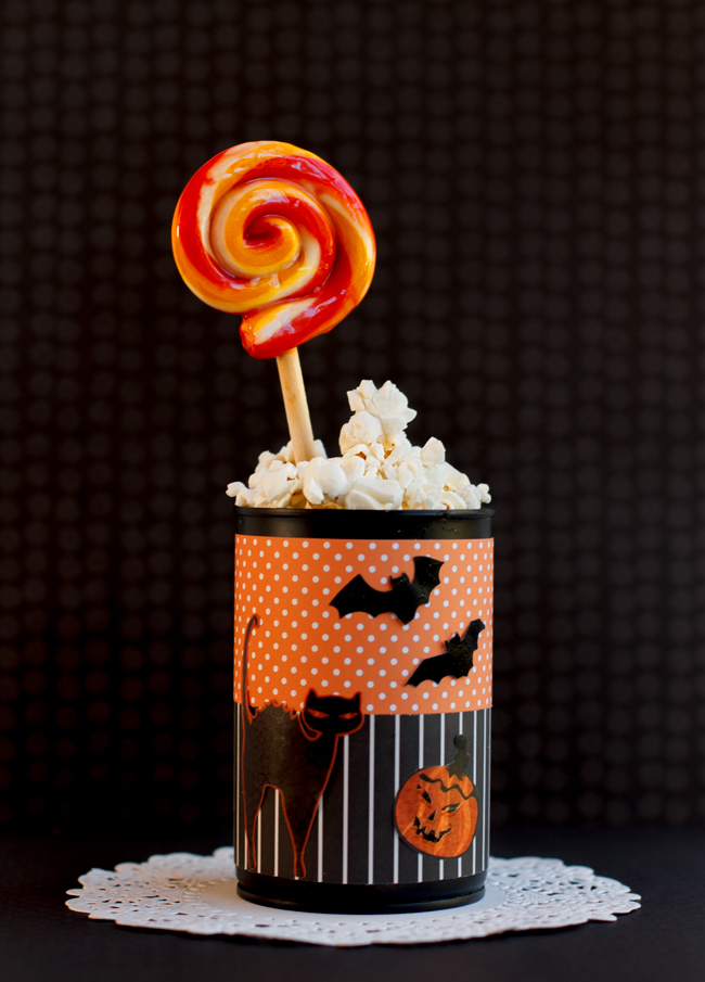 These Halloween party favors will hold your favorite snacks.