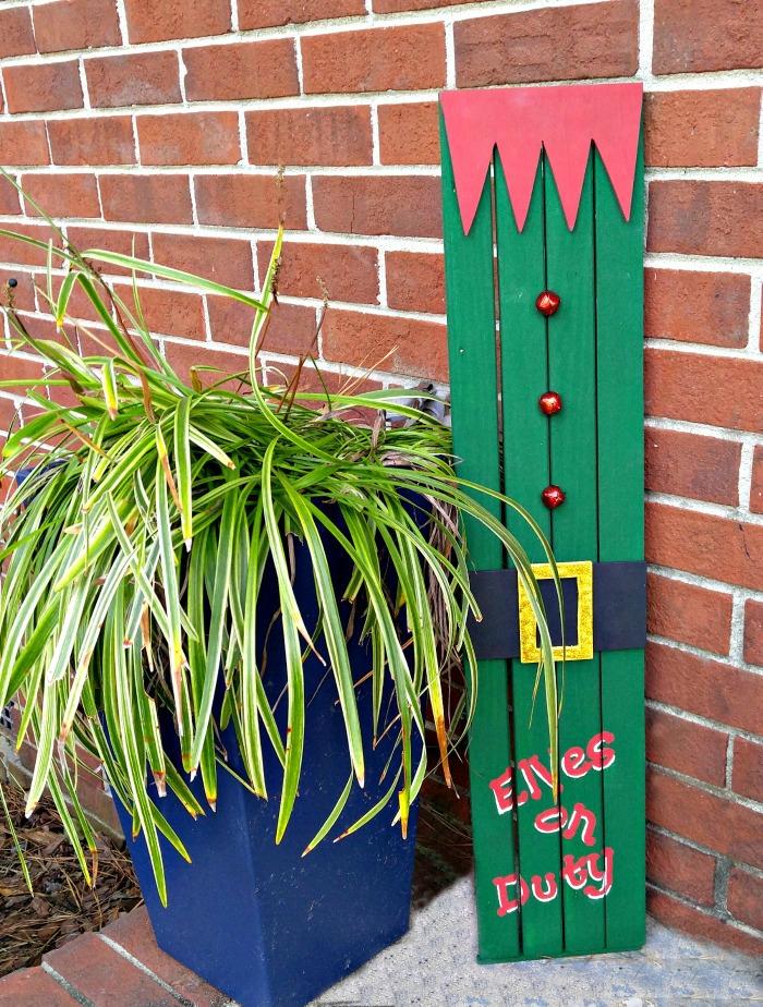 Wooden Elf Doorway Sign on Display