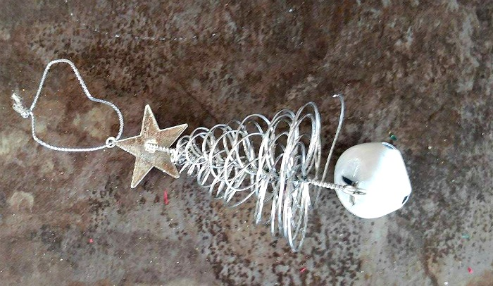 Silver wire Christmas tree ornaments adds a festive touch