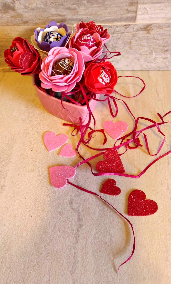 Tootsie Pop Flower Valentines centerpiece