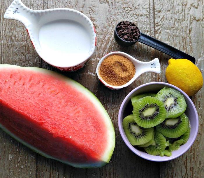 Ingredients for Watermelon kiwi pops