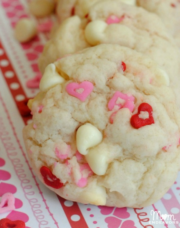 White Chocolate Valentine's Day cookies from momendeavors.com