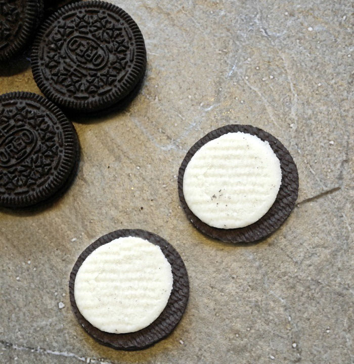 Oreo cookie and filling