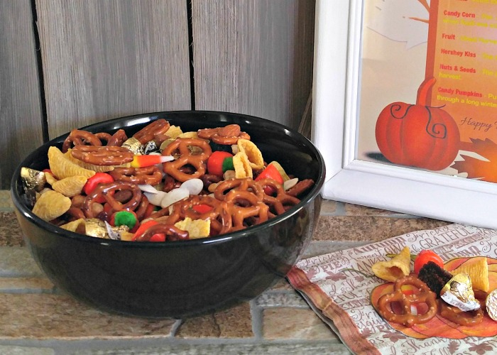 A bowl of the Thanksgiving snack mix