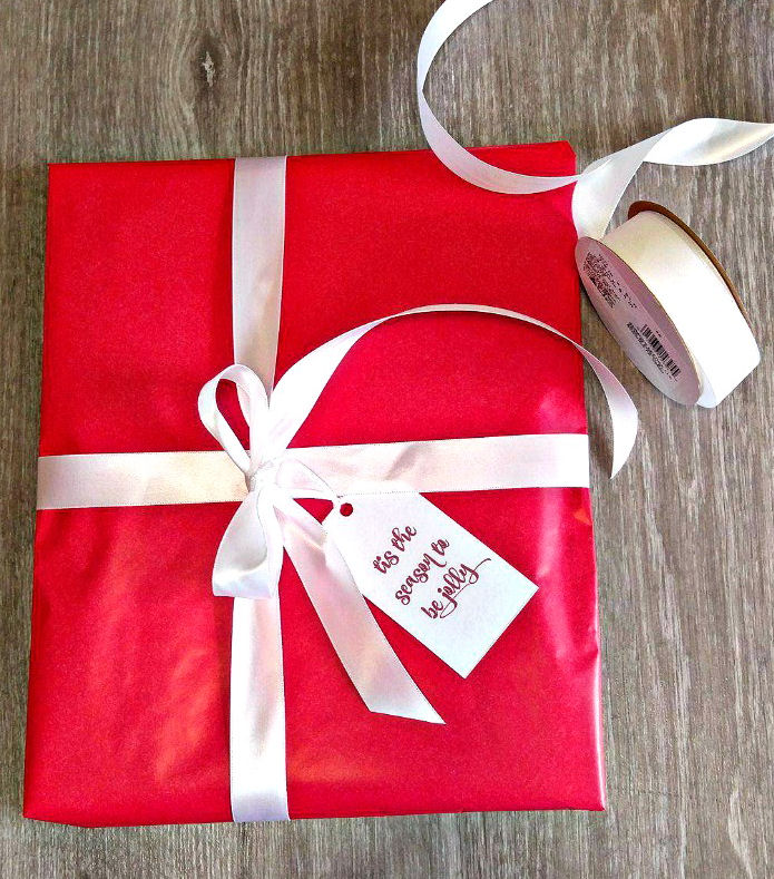 Printable Christmas Gift Tags with red paper and white ribbon