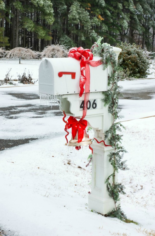 white and red holiday mailbox