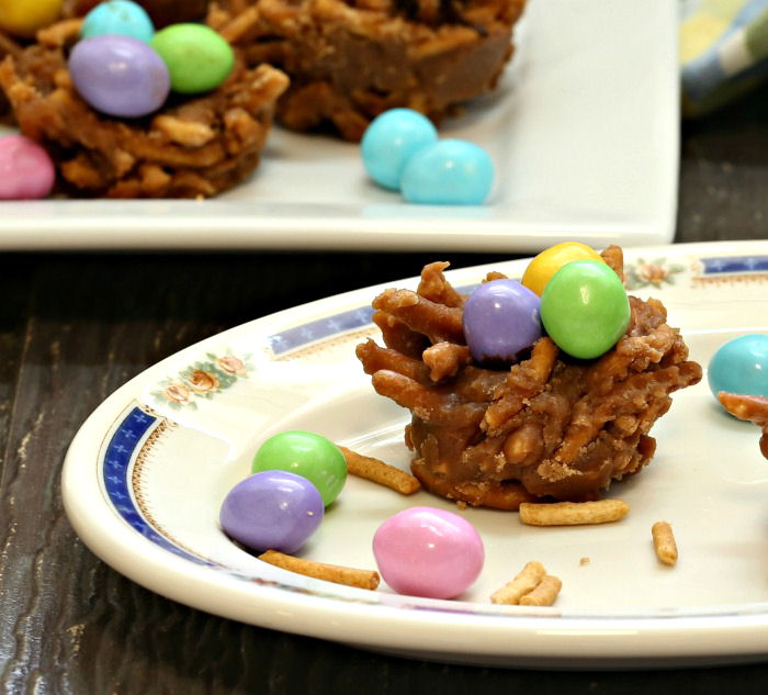 Birds's nest cookie with Easter Eggs