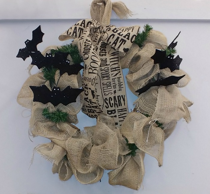 Burlap wreath with bats