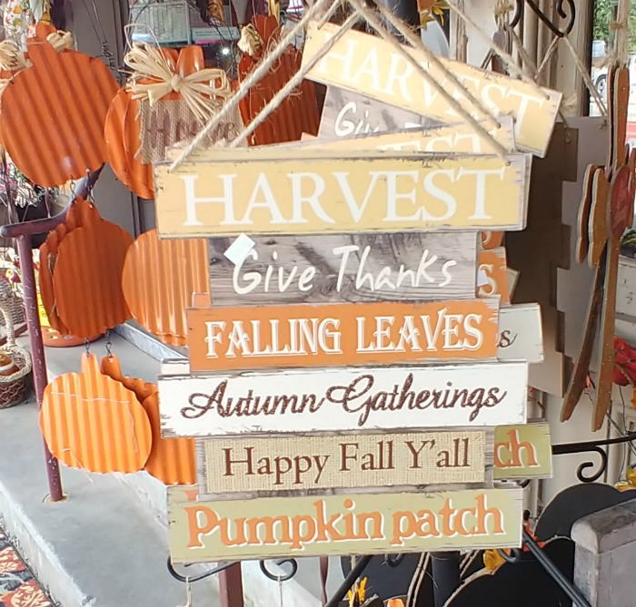 Seasonal fall sayings signs