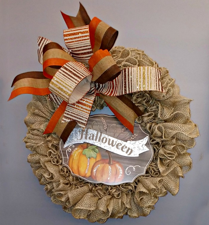Burlap wreath with a Halloween sign