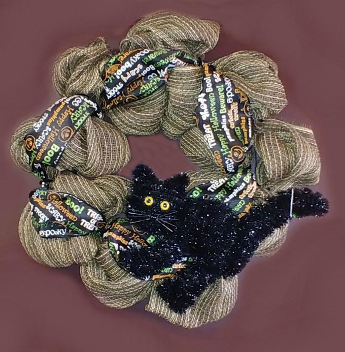 Black cat Halloween burlap wreath