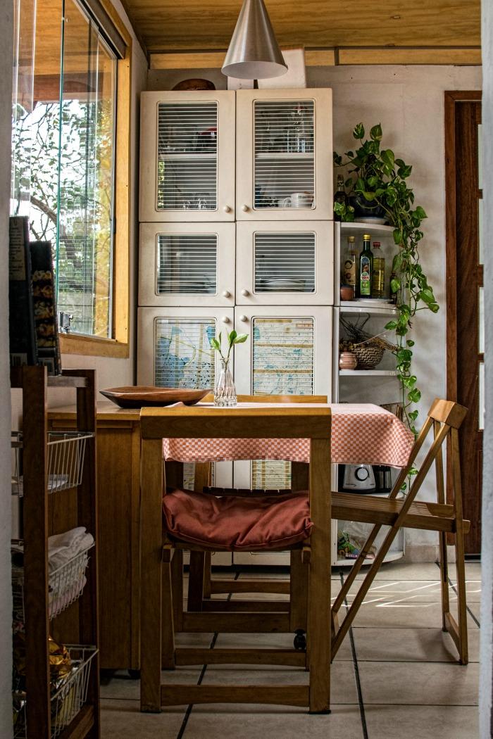 Farmhouse decor in a sunny room