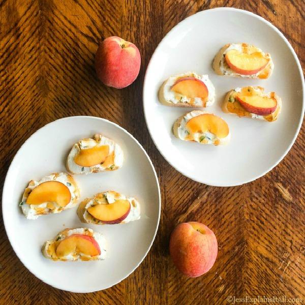 Peach Bruschetta – Easy No Bake Appetizer Perfect for the Heat
