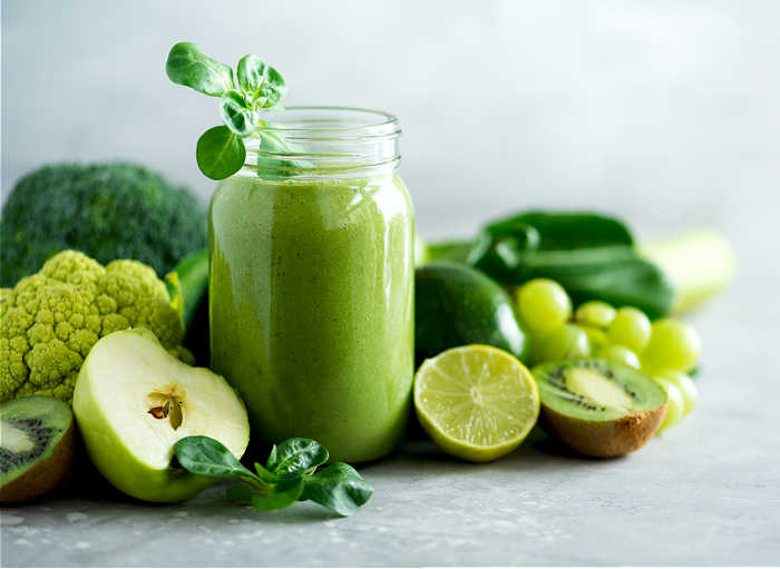 green juice, cauliflower, broccoli, grapes and apples with lime.