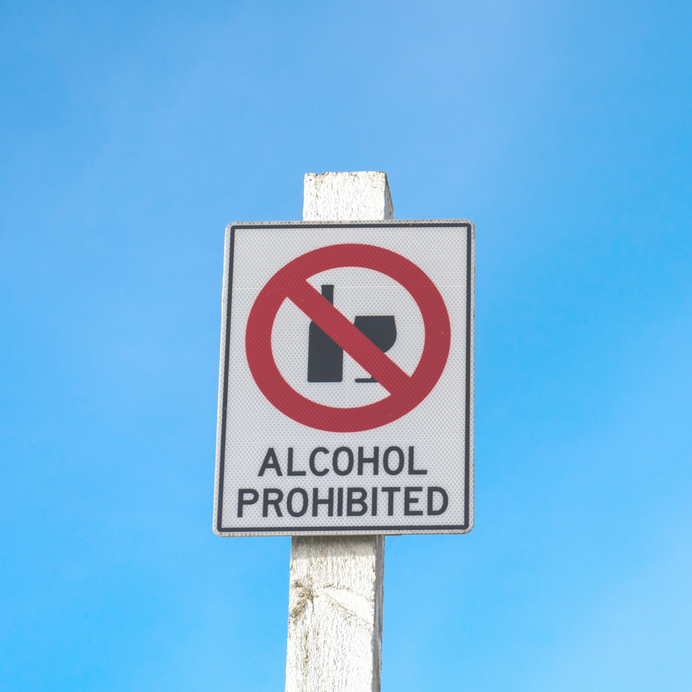 "A sign that says ""alcohol prohibited"" to symbolize when was prohibition."
